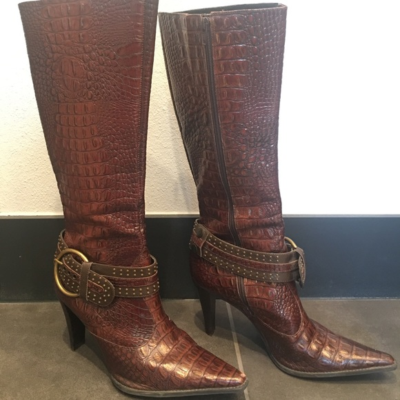 3dce3590fe9 Gianni Bini Brown faux crocodile embossed boots.